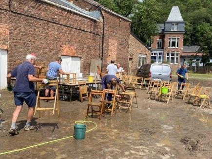 Actions de nettoyage à l'Association Saint-Vincent de Paul par les Rotariens de Liège Ouest
